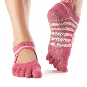 toesox womens bellarina full toe non-slip yoga socks, amour - love collection
