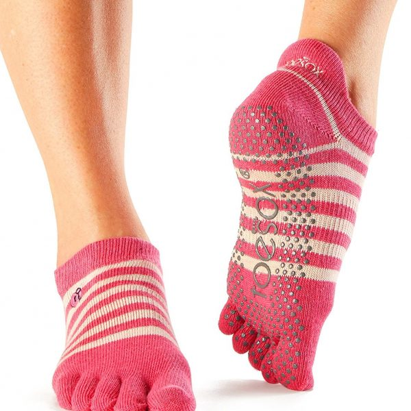 toesox womens grip full toe low rise yoga socks, amour - love collection