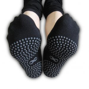 yogaaddict womens non-slip yoga socks in black color